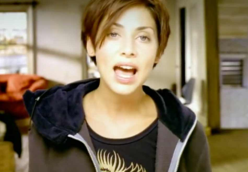 Natalie Imbruglia - Torn - Official Music Video