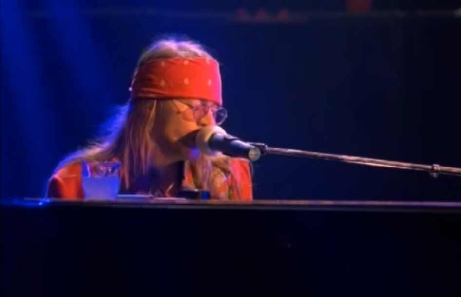 Guns N' Roses - November Rain - Official Music Video