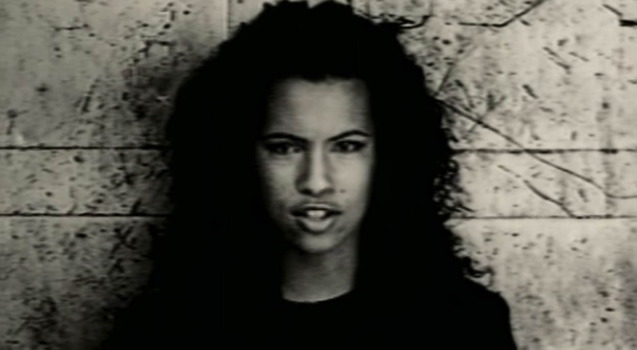 Youssou N'Dour ft. Neneh Cherry - 7 Seconds - Official Music Video