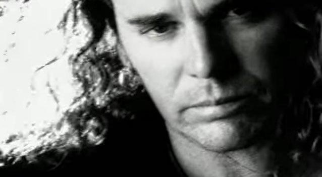 Maná - Como dueles en los labios - Official Music Video