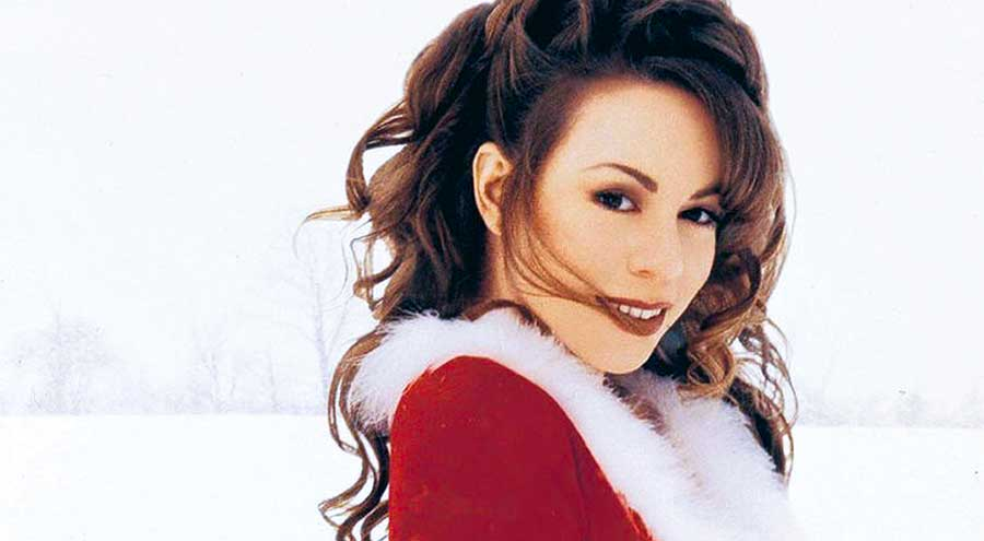 Mariah Carey - All I Want For Christmas Is You - Official Music Video