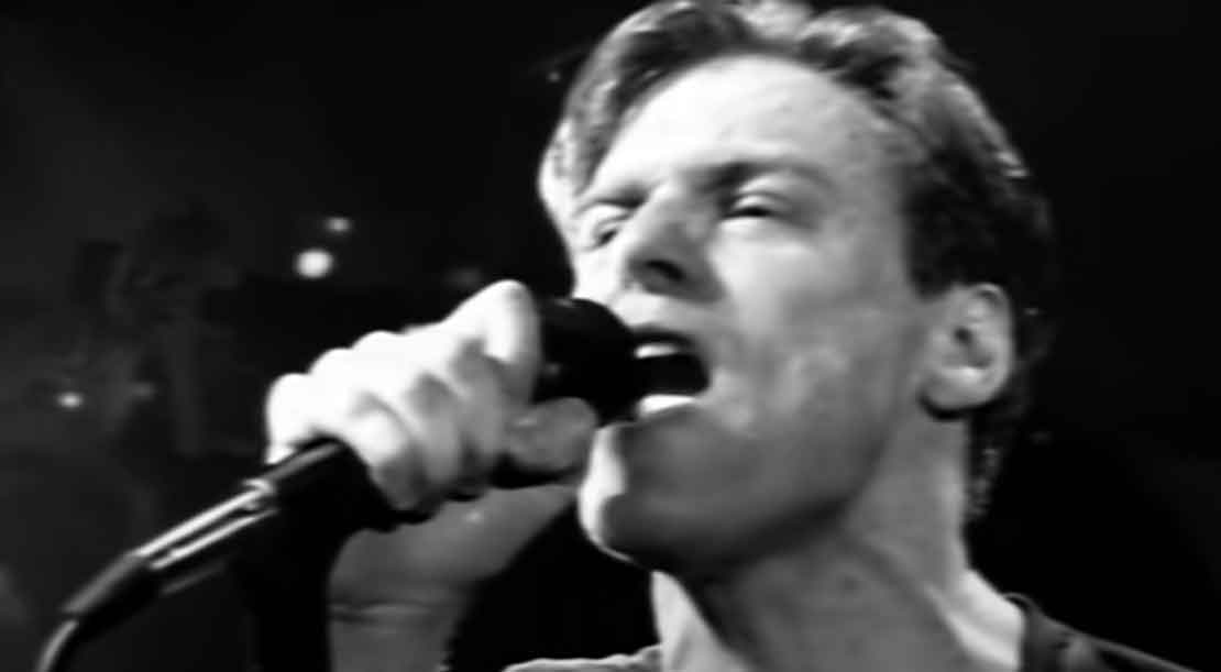 Bryan Adams - (Everything I Do) I Do It For You - Official Music Video