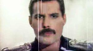 Freddie Mercury - Living On My Own (1993)
